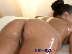 massage rooms diminutive brunette gets her taut
