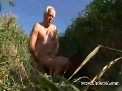 grand daddy fucking in beach