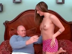 young schoolgirl gived pervert old stud oral-job
