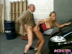 daddy screwed sexy daughter in garage